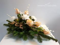 Kwiaty na pogrzeb Cemetery Flowers, Sympathy Flowers, Funeral Flowers, November, Table Decorations, Home Decor, Gardening, Flowers, Grief