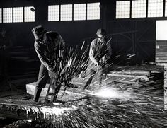 Yousuf Karsh - Foundry 3 Black White Photos, Black And White, Yousuf Karsh, Steel Mill, Industrial Photography, Working Class, Mechanical Engineering, Britain, It Cast