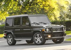 mercedes benz suv g class Mercedes Benz Suv, Carros Mercedes Benz, Mercedes G Wagon, Car Photos, Car Pictures, Electric Aircraft, Daimler Ag, Jeep Wrangler Unlimited, Celestial