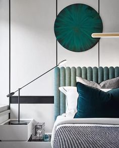 Simplicity in this master bedroom with monochrome and green, rounded shapes and teal textures. Home Bedroom, Modern Bedroom, Master Bedroom, Bedrooms, Indian Home Decor, Bedroom Vintage, Decorating Small Spaces, Home Decor Accessories, Cheap Home Decor