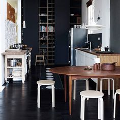 Roseland Greene: kitchens  - for more inspiration visit http://pinterest.com/franpestel/boards/