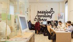 Scordatevi l'ufficio (e quanto fino ad oggi era un fine) http://blog.startupitalia.eu/global-coworking-confernce-talent-garden/?utm_content=buffer187f7&utm_medium=social&utm_source=pinterest.com&utm_campaign=buffer  Quando tra il fine ed in mezzo è il secondo a preponderare nel futuro #nomadidigitali #coworking #economiacondivisa Talent Garden Italy