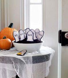 53 Halloween Craft Ideas - Halloween DIY Craft Projects