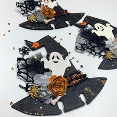 Halloween Paper Crafts, Halloween Drawings, Halloween Ornaments, Halloween Boo, Halloween Cards, Halloween Decorations, Fall Decorations, Scrapbook Paper Crafts, Scrapbook Layouts