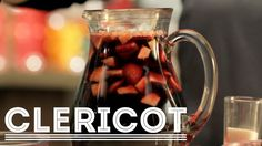 Bebida refrescante - Ingredientes • Vino tinto 1 Lt • Refresco de sangría 500ml • Jugo de limòn 1/4 de vaso • Manzana picada ½ taza • Fresa picada ½ taza • Azúcar 3 cdas