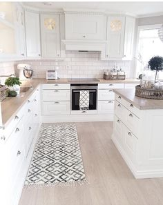 White Kitchen Design Ideas For The Heart Of Your Home - Page 5 of 68 - LoveIn Home Florida Kitchen Design with wood floors, granite countertops, and custom cabinet design ideas 50 amazing kitchen remodel ideas the most liked 5 Kitchen Rug, New Kitchen, Kitchen Decor, Kitchen Cabinets, Kitchen Ideas, Kitchen White, White Cabinets, Granite Kitchen, Country Kitchen