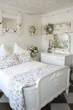 30 Amazing Shabby Chic Touches To Your Bedroom Design Bedroom Shabby Chic Guest Room, Shabby Chic Living Room Furniture, Shabby Chic Stil, Shabby Chic Bedrooms, Shabby Chic Homes, Shabby Chic Decor, Bedroom Decor, Design Bedroom, Country Chic Bedrooms