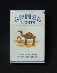 Embalagem de Camel Lights Vintage Tools, Vintage Labels, Vintage Posters, Cigarette Brands, Cigarette Box, Marlboro Coupons, Nostalgia 70s, Sister Act, Smoke Art