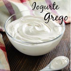 A nossa receita de iogurte já é sucesso total! E hoje vou mostrar pra vocês como preparar o grego, a partir da receita original É muito simples mesmo. O primeiro passo é preparar a receita básica do iogurte que está…