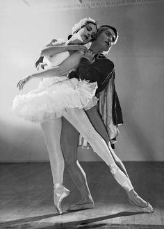 Russian ballerina and actress Tamara Toumanova and Ukrainian ballet dancer and choreographer Serge Lifar performing the Swan Lake.