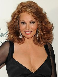 Rachel Welch (Chicago 73 years old Raquel Welch, Long Face Shapes, Long Faces, Helen Mirren, Thick Girl Fashion, Actrices Hollywood, Sophia Loren, Cool Haircuts, Most Beautiful Women