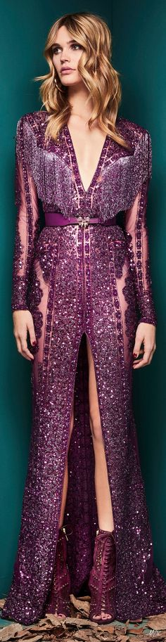 Fall 2018 RTW Zuhair Murad. A gleaming waterfall of natural black biawa fireball pearls on black leather will draw oohs and awes wherever you go and add a real lustre of elegance!