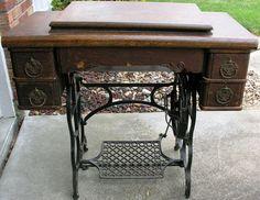 Vintage Davis Sewing Machine Vertical Feed 1868-1920 Antique Look!   eBay