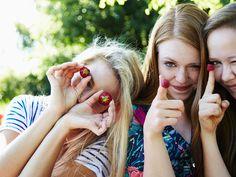 Die Zeit, die ihr mit euren liebsten Freundinnen verbringt, ist kostbar. Ihr solltet sie genießen und euch dabei rundum wohlfühlen. Mit diesen gesunden Snacks wird's unvergesslich!