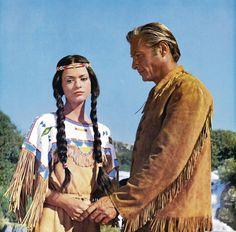 Marie Versini jako Nšo-či a Lex Barker Old Shatterhand ve filmu Vinnetou I. Wild West, Spin, Actors, Celebrities, Movies, Celebs, American Frontier, Celebrity, Actor