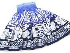 青のパウスカート・ウリウリ no.6096 Samoan Dress, Hawaiian People, Island Wear, Hula Dancers, Boho Shorts, Women's Fashion, Skirts, Clothing, Fabric
