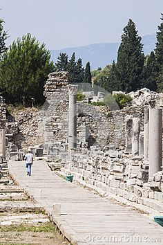 Visiting the ancient greek - Roman city of Ephesus in the actual Turkey
