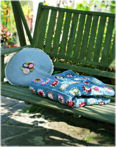 The 'All Boys' Blanket by Coco Rose Diaries based on the Grandma All Square pattern by The Royal Sisters.
