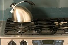 How to Get Black Scorch Marks Off Gas Burners & a Stove Top thumbnail Black Gas Stove, Clean Gas Stove Top, Stainless Steel Gas Stove, Clean Stove Burners, Gas Stove Burner, Clean Oven, Seoul, Oven Cleaning