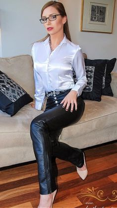 Sexy Blouse, Blouse And Skirt, White Satin, Silk Satin, Male To Female Transgender, Satin Bluse, Sexy Legs And Heels, Satin Shirt, Leather Fashion