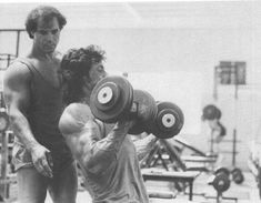 Sylvester Stallone is trained by Dr. Franco Columbo for the acclaimed action film, RAMBO III Celebrity Fitness, Celebrity Workout, Sylvester Stallone, Senior Bodybuilders, Old Bodybuilder, Frank Zane, John Rambo, Fit Over 40, Natural Bodybuilding