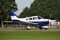 Piper Archer (2x): Deze 4-persoons vliegtuigen worden vaak verhuurd. Twee Pipers zijn IFR uitgerust.
