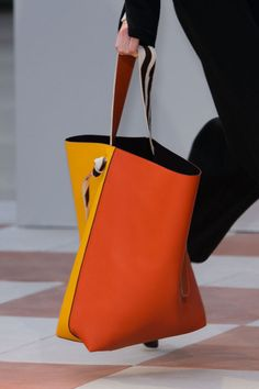 Prada Women's Saffiano Lux Executive Tote Bag Black Tote Bags, Lv Bags, Purses And Bags, Totes And Bags, Clutch Bags, Leather Pouch, Leather Purses, Leather Totes, Leather Bags