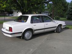 1990 Oldsmobile Cutlass Ciera 4 Dr S Sedan