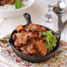 Spicy, creamy, hearty and absolutely delicious Goan Feijoada. Traditional Portuguesee meat based dish veganized with the addition of vegetarian sausage. Goan Recipes, Kung Pao Chicken, Goan Food, Sausage, Spicy, Curry, Vegan, Dishes, Ethnic Recipes