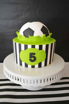 This edible cake decoration will be the perfect addition to your Soccer Party.This DIY Cake Kit will help you create professional looking cakes in just 3 Cupcakes, Cupcake Cakes, Bolo Sporting, Soccer Ball Cake, Soccer Party, Soccer Cakes, Soccer Birthday Cakes, Super Torte, Sports Themed Cakes