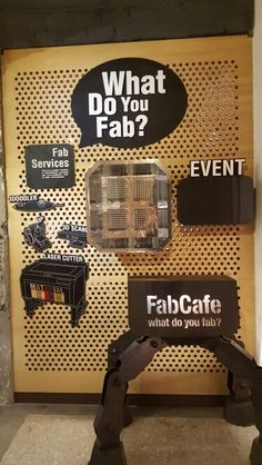 Where you can find a bar with  laser cutter and 3rd printers? Huashan  creative park in Taipei