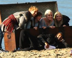 Emma Swan - Elsa - Anna - Kristoff - Jennifer Morrison - Georgina Haiq - Elizabeth Lail - Scott Michael Foster - Once upon a time #OUAT #Frozen