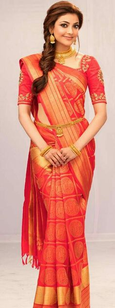 Kajal Agarwal in saree not only looks mesmerizing while wearing sarees but also keeps her look different than usual. Here are the best kajal saree collection. Indian Bridal Sarees, Indian Silk Sarees, Indian Beauty Saree, South Indian Bride Saree, South Indian Bride Hairstyle, Indian Dresses, Indian Outfits, Kajal Agarwal Saree, Indische Sarees