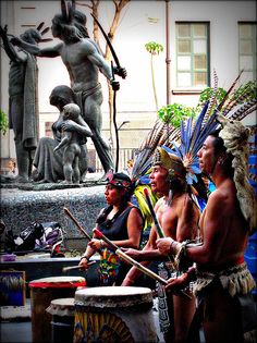 Hijos de Aztlan (Ciudad de Mexico, D.F.) Maya, We Are The World, People Of The World, Mexican Art, Mexican Style, Central America, South America, Monuments, Aztec Culture