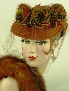 VINTAGE HAT 1930s GERMAINE MONTABERT TILT TOPPER, PALE RUST & OLIVE GREEN & VEIL #GermaineMontabert #TiltTopper