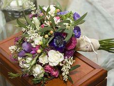 Los ramos de flores silvestres son ideales para las bodas en primavera, y también para conseguir un look de lo más vintage