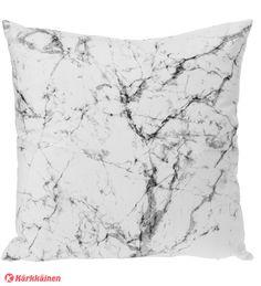 7,90 EUR | • Materiaali: 100 % polyester<br/>• Koko: 45x45 cm<br/>• Paino: 350 g<br/>• Väri: valkoinen