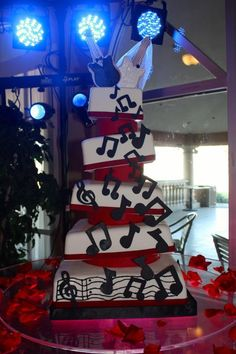 Rock and roll wedding cake project on Craftsy.com