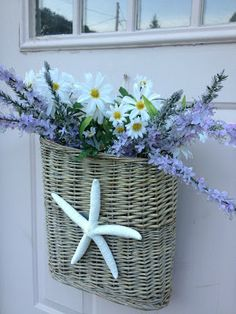 Summer door decoration in lieu of a wreath Passionate for White