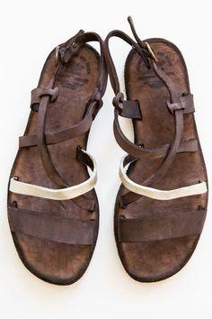 officine creative teak serifos sandal
