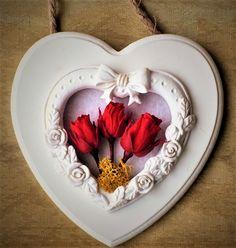 coeur avec boutons de rose stabilisés Rose Stabilisée, Buttons, Frames, Board