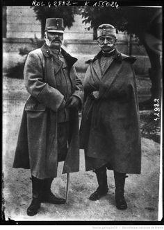 Archiduc Frédérich et le général Conrad von Hötzendorf [portrait des deux généraux autrichiens] : [photographie de presse] / [Agence Rol]