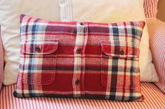 Sewing Pillows Tutorial: Flannel shirt pillow cover - Robin from Happy at Home shows how you can turn an old flannel shirt into a cute pillow cover. The button placket and pocket make neat details for the front of the pillow. The button placket also… Cute Pillows, Diy Pillows, Shirt Pillows, Decorative Pillows, Pillow Ideas, Throw Pillows, Sewing Patterns Free, Free Sewing, Sewing Hacks