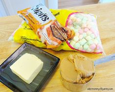 Confetti Squares ~ Recipe - Older Mommy Still Yummy Recipe for fun, four ingredient Confetti Squares. Marshmellow Squares, Marshmallow Fudge, Colorful Desserts, Cupcake Bakery, Butterscotch Chips, Melting Chocolate Chips, Baked Chips, Rice Krispies, Baking Recipes