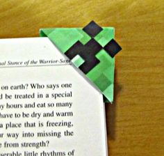 Minecraft Creeper Corner Bookmark Printable and Tutorial