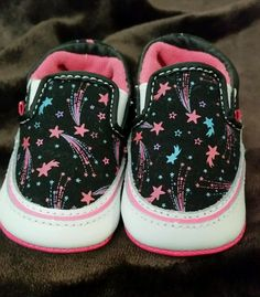 7c32a6b0d9c baby girls vans crib shoes shooting stars size 2 black   hot pink from  2.5