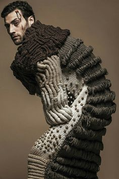 1000 images about fashionable knitting and crochet on Knitwear Fashion, Knit Fashion, Fashion Art, Weird Fashion, Design Textile, Textile Art, Textile Sculpture, 3d Mode, Knit Art