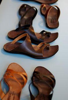 Cydwoq sandals.