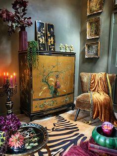 Home Living Room, Living Room Decor, Grunge Decor, Maximalist Interior, Of Wallpaper, Bohemian Decor, Room Decor Bedroom, Home Decor Inspiration, Decoration