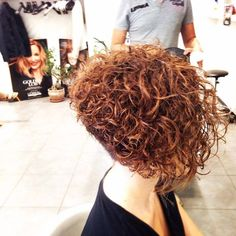 Best 20+ Curly Stacked Bobs ideas on Pinterest | Curly bob haircuts, Short perm and Curly bob ...